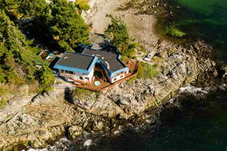 Photo 3: 5482 HILL Road in Sechelt: Sechelt District House for sale (Sunshine Coast)  : MLS®# R2519038