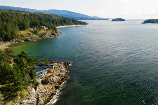 Photo 5: 5482 HILL Road in Sechelt: Sechelt District House for sale (Sunshine Coast)  : MLS®# R2519038