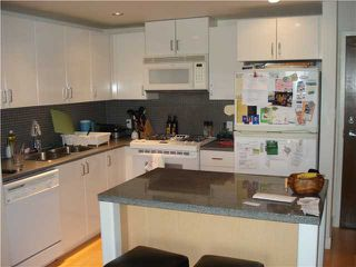 "Photo 2: 1009-155 West 1st Street in North Vancouver: Lower Lonsdale Condo for sale in ""TIME EAST"" : MLS®# V860373"