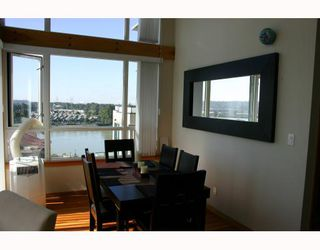 Photo 3: 611 10 RENAISSANCE Square in New_Westminster: Quay Condo for sale (New Westminster)  : MLS®# V663603