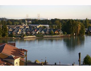 Photo 1: 611 10 RENAISSANCE Square in New_Westminster: Quay Condo for sale (New Westminster)  : MLS®# V663603