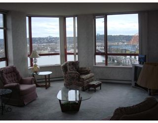 Photo 4: 902 38 LEOPOLD Place in New_Westminster: Downtown NW Condo for sale (New Westminster)  : MLS®# V682221