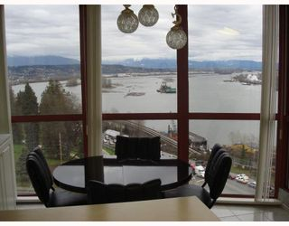 Photo 2: 902 38 LEOPOLD Place in New_Westminster: Downtown NW Condo for sale (New Westminster)  : MLS®# V682221