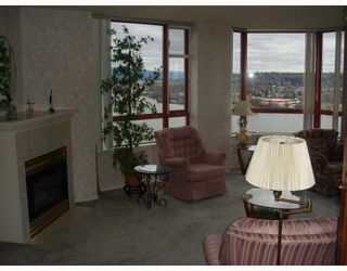 Photo 5: 902 38 LEOPOLD Place in New_Westminster: Downtown NW Condo for sale (New Westminster)  : MLS®# V682221