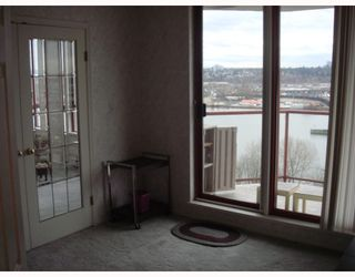 Photo 8: 902 38 LEOPOLD Place in New_Westminster: Downtown NW Condo for sale (New Westminster)  : MLS®# V682221
