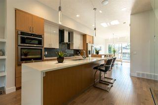 Photo 2: 8810 94 Street in Edmonton: Zone 18 House for sale : MLS®# E4165656