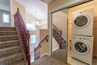 Photo 2: 4125 33a Avenue NW in Edmonton: Zone 29 House for sale : MLS®# E4167354