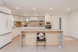 """Photo 3: 308 1160 OXFORD Street: White Rock Condo for sale in """"Newport at west beach"""" (South Surrey White Rock)  : MLS®# R2432913"""