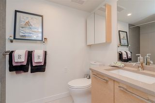 """Photo 16: 308 1160 OXFORD Street: White Rock Condo for sale in """"Newport at west beach"""" (South Surrey White Rock)  : MLS®# R2432913"""
