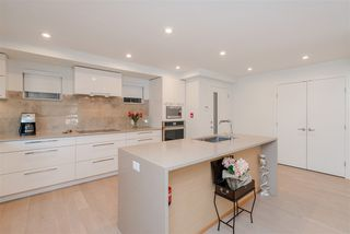 """Photo 5: 308 1160 OXFORD Street: White Rock Condo for sale in """"Newport at west beach"""" (South Surrey White Rock)  : MLS®# R2432913"""