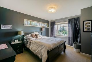 """Photo 10: 9 6238 192 Street in Surrey: Cloverdale BC Townhouse for sale in """"Bakerview Terrace"""" (Cloverdale)  : MLS®# R2442688"""