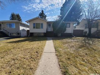 Photo 1: 1921 St Charles Avenue in Saskatoon: Exhibition Residential for sale : MLS®# SK805854