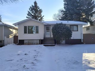 Photo 2: 1921 St Charles Avenue in Saskatoon: Exhibition Residential for sale : MLS®# SK805854