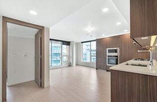 """Photo 8: 912 455 SW MARINE Drive in Vancouver: Marpole Condo for sale in """"W1"""" (Vancouver West)  : MLS®# R2486188"""