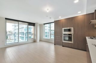 """Photo 6: 912 455 SW MARINE Drive in Vancouver: Marpole Condo for sale in """"W1"""" (Vancouver West)  : MLS®# R2486188"""