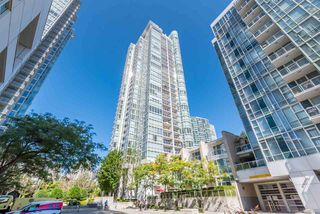 Photo 2: 505 193 AQUARIUS Mews in Vancouver: Yaletown Condo for sale (Vancouver West)  : MLS®# R2510156