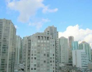 """Photo 3: 2110 939 EXPO Street in Vancouver: Downtown VW Condo for sale in """"THE MAX 2"""" (Vancouver West)  : MLS®# V636300"""