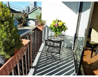Photo 1: # 102 175 E 4TH ST in North Vancouver: Condo for sale : MLS®# V829556