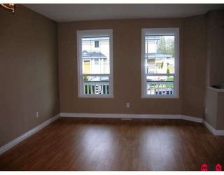 "Photo 3: 7021 180TH Street in Surrey: Cloverdale BC Townhouse for sale in ""PROVINCETON"" (Cloverdale)  : MLS®# F2730643"