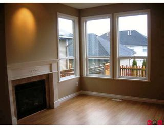 "Photo 2: 7021 180TH Street in Surrey: Cloverdale BC Townhouse for sale in ""PROVINCETON"" (Cloverdale)  : MLS®# F2730643"