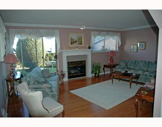 """Photo 2: 76 323 GOVERNORS Court in New_Westminster: Fraserview NW Townhouse for sale in """"Governors Court"""" (New Westminster)  : MLS®# V689881"""