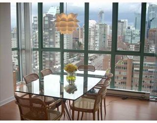 "Photo 6: 2203 907 BEACH Avenue in Vancouver: False Creek North Condo for sale in ""CORAL COURT"" (Vancouver West)  : MLS®# V697746"