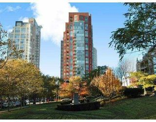 "Photo 1: 2203 907 BEACH Avenue in Vancouver: False Creek North Condo for sale in ""CORAL COURT"" (Vancouver West)  : MLS®# V697746"