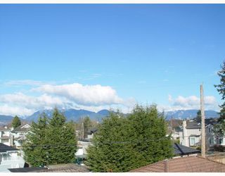Photo 2: 3033 W 21ST Avenue in Vancouver: Arbutus House for sale (Vancouver West)  : MLS®# V699977