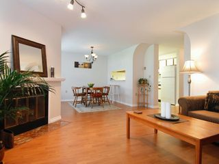 Photo 3: 5 12915 16 Avenue in Surrey: Crescent Bch Ocean Pk. Townhouse for sale (South Surrey White Rock)  : MLS®# F2815551