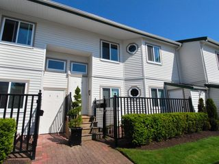 Photo 1: 5 12915 16 Avenue in Surrey: Crescent Bch Ocean Pk. Townhouse for sale (South Surrey White Rock)  : MLS®# F2815551