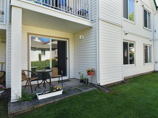 Photo 2: 5 12915 16 Avenue in Surrey: Crescent Bch Ocean Pk. Townhouse for sale (South Surrey White Rock)  : MLS®# F2815551