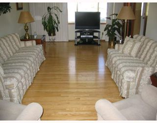 Photo 2: 1153 MONCTON Avenue in WINNIPEG: East Kildonan Residential for sale (North East Winnipeg)  : MLS®# 2809314