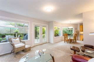 "Photo 6: 15540 LORNE Court: White Rock House for sale in ""Vista Heights"" (South Surrey White Rock)  : MLS®# R2418783"