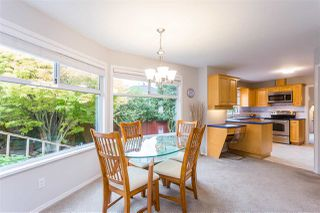 "Photo 4: 15540 LORNE Court: White Rock House for sale in ""Vista Heights"" (South Surrey White Rock)  : MLS®# R2418783"