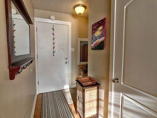 Photo 2: 1 6204 101 Avenue in Edmonton: Zone 19 Condo for sale : MLS®# E4185885