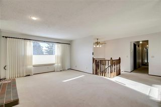Photo 5: 6135 TOUCHWOOD Drive NW in Calgary: Thorncliffe Detached for sale : MLS®# C4291668