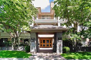 "Photo 1: 110 3777 W 8TH Avenue in Vancouver: Point Grey Condo for sale in ""THE CUMBERLAND"" (Vancouver West)  : MLS®# R2461300"