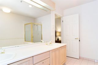 "Photo 19: 110 3777 W 8TH Avenue in Vancouver: Point Grey Condo for sale in ""THE CUMBERLAND"" (Vancouver West)  : MLS®# R2461300"