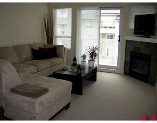 Photo 3: 404 20750 DUNCAN WY in Langley: Langley City Home for sale ()  : MLS®# F2815821