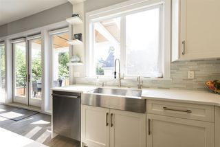 Photo 12: 290 E 21ST AVENUE in Vancouver: Main House for sale (Vancouver East)  : MLS®# R2504293