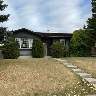 Photo 1: 6104 Penworth Road SE in Calgary: Penbrooke Meadows Detached for sale : MLS®# A1040258