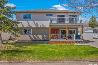 Photo 2: 26 Haultain Crescent in Regina: Hillsdale Residential for sale : MLS®# SK838287