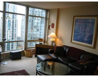 """Photo 4: 1605 1288 ALBERNI Street in Vancouver: West End VW Condo for sale in """"THE PALISADES"""" (Vancouver West)  : MLS®# V645039"""