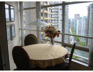 """Photo 5: 1605 1288 ALBERNI Street in Vancouver: West End VW Condo for sale in """"THE PALISADES"""" (Vancouver West)  : MLS®# V645039"""
