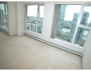 "Photo 16: 2007 1009 EXPO Boulevard in Vancouver: Downtown VW Condo for sale in ""LANDMARK 33S"" (Vancouver West)  : MLS®# V705605"