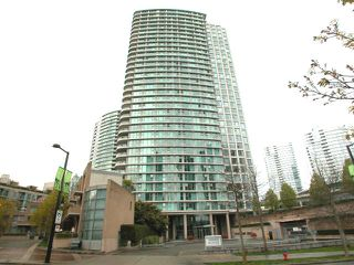 "Photo 1: 2007 1009 EXPO Boulevard in Vancouver: Downtown VW Condo for sale in ""LANDMARK 33S"" (Vancouver West)  : MLS®# V705605"