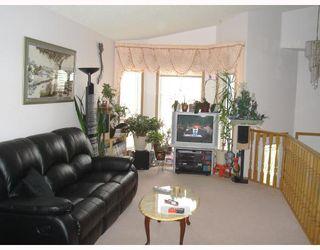 Photo 2: 59 APPLESTONE Park SE in CALGARY: Applewood Residential Detached Single Family for sale (Calgary)  : MLS®# C3326766