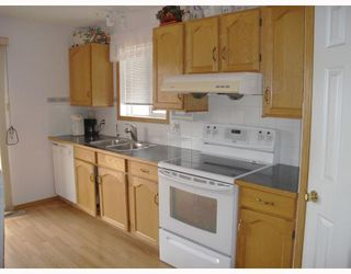 Photo 5: 59 APPLESTONE Park SE in CALGARY: Applewood Residential Detached Single Family for sale (Calgary)  : MLS®# C3326766