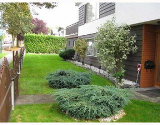 Photo 9: 3008 east 45 th ave in vancouver: House for sale : MLS®# V753387