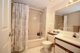 """Photo 6: 209 1459 BLACKWOOD Street: White Rock Condo for sale in """"CHARTWELL"""" (South Surrey White Rock)  : MLS®# R2397945"""